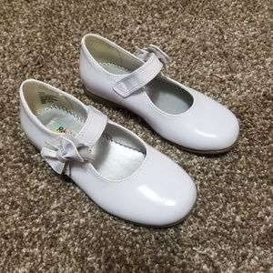 Size 10 girls white shoes